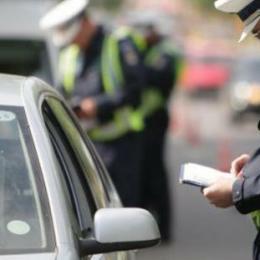 În fiecare oră, trei brașoveni sunt amendați pentru depășirea vitezei legale. Anul trecut, la Brașov s-au aplicat peste 23.000 de astfel de amenzi