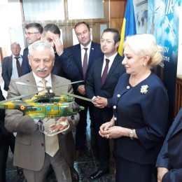 Dăncilă a venit la Brașov cu un elicopter Puma și a plecat de la Ghimbav cu unul de jucărie