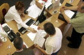 2.000 de angajați din bănci au fost puși pe liber în ultimul an. Salariul mediu în sistem a ajuns la 5.000 de lei