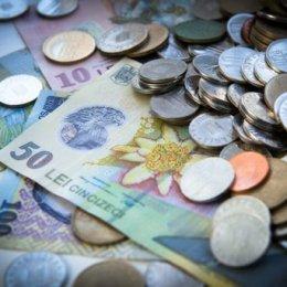 Băncile trec la digitalizare. 1 din 3 agenții Raiffeisen Bank renunță la operațiunile cu cash începând din această lună