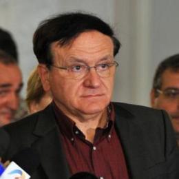"""Un jurnalist îl acuză pe Căncescu de imixtiuni în emisiunea sa de la Mix TV. """"Nu-l mai ataca pe Scripcaru, atacă-l pe Veștea!"""""""