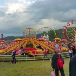 Pericol la Oktoberfest: Amenzi de 13.000 de lei aplicate firmei care operează tiribombele pentru lipsă de siguranță