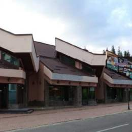 Complexul Favorit din Poiana Brașov, scos la vânzare cu doar 1,42 milioane de euro. În urmă cu câțiva ani, Neculaie voia pe el 3,62 milioane de euro