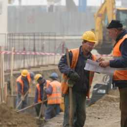 Constructorii se plang că nu mai găsesc forță de muncă. România a înregistrat cea mai mare creștere a producției în construcții din UE în 2019