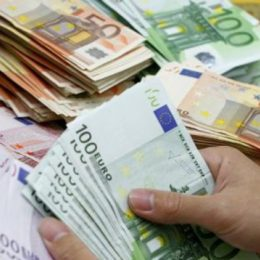 Comisia Europeană direcționează către România peste un miliard de euro pentru sistemul medical și creditarea IMM-urilor afectate de criza coronavirusului