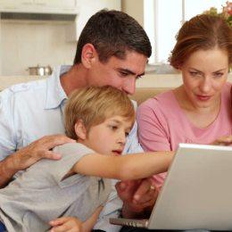 Părinții și copiii pot ajunge la un spectacol de balet, în diferite regiuni ale țării sau chiar în spațiu cu ajutorul conexiunii la internet