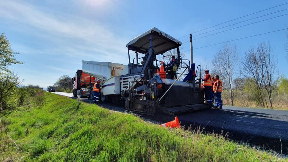 Direcția de Drumuri Brașov vrea să cumpere asfalt în valoare de peste 30 de milioane de lei