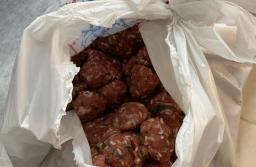 FOTO VIDEO Participanții la petrecerea cu taraf de la Prejmer au mâncat produse expirate. Păstrăvăria Dasmin, amendată cu încă 20.000 de lei și închisă
