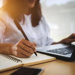 Astăzi a fost lansată prima academie de pedagogie digitală din România dedicată profesorilor din sistemul de învățământ public