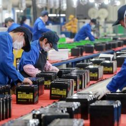 România ar putea câștiga din criza COVID: Marii producători vor să își mute fabricile din China în Europa Centrală și de Est