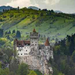 Dracula a făcut anul trecut profit de peste 4 milioane de euro la Bran/ Practic, fiecare vizitator a însemnat un câștig de patru euro pentru Castelul Bran
