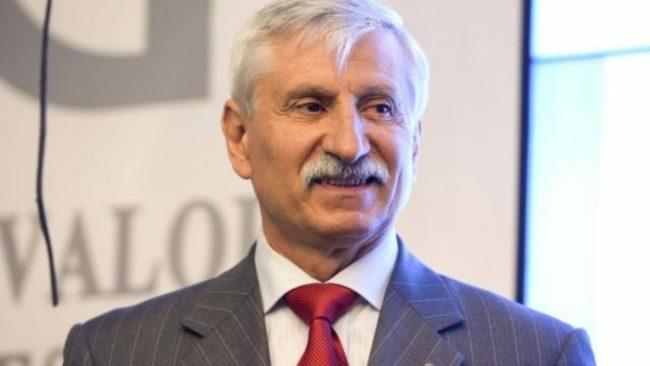 Neculai Banea, directorul IAR Brasov, participa la evenimentul de lansare a companiei IAR Brasov pe piata principala a Bursei de Valori Bucuresti, in Bucuresti, marti, 14 iulie 2015. DRAGOS SAVU/MEDIAFAXFOTO