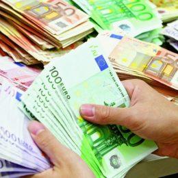 Firmele și PFA-urile se pot înscrie pentru granturi de la 2000 de euro din fonduri nerambursabile. Ce condiții trebuie să îndeplinească