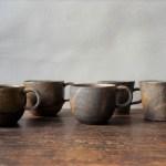 温かい飲み物でまったりと過ごす、備前焼のマグカップ・コーヒーカップ