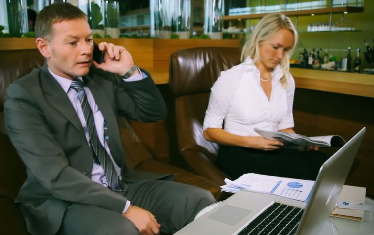 Are You a Mobile Dependent Business Traveler?