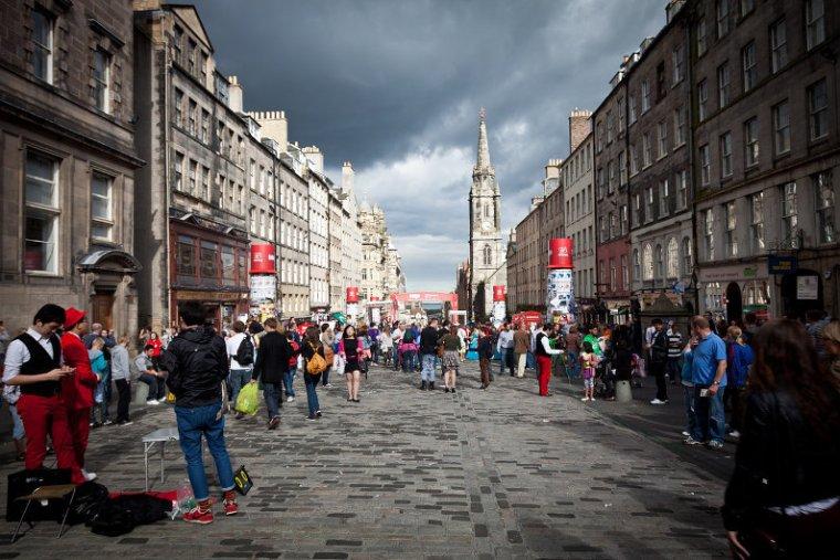 Street performers in Edinburgh