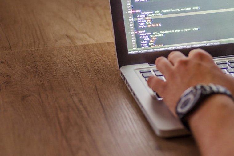 Meeting software development project deadline