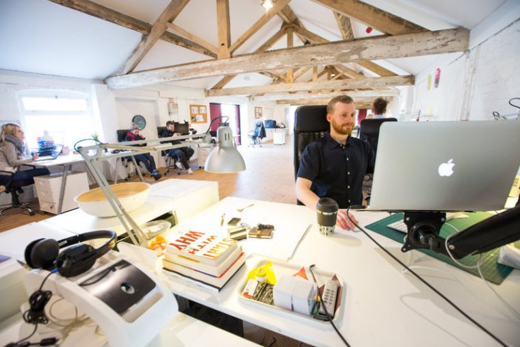App developer working using MEAN stack
