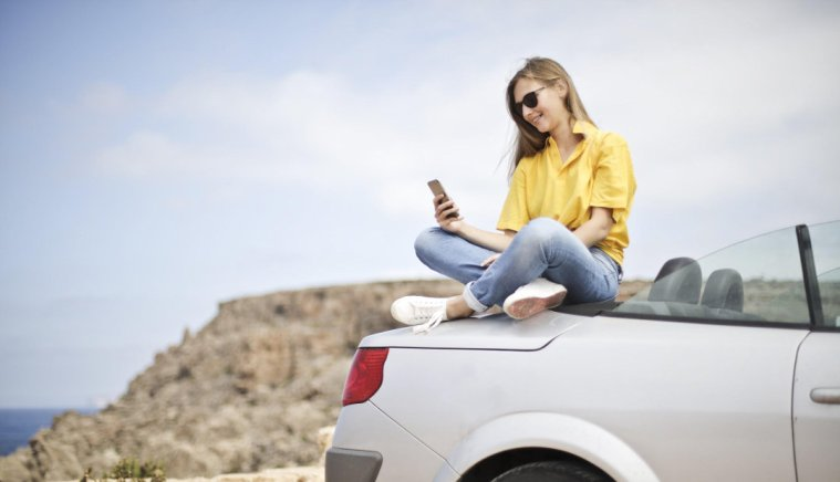 6 Apps Every Small Business Owner Should Have on Vacation