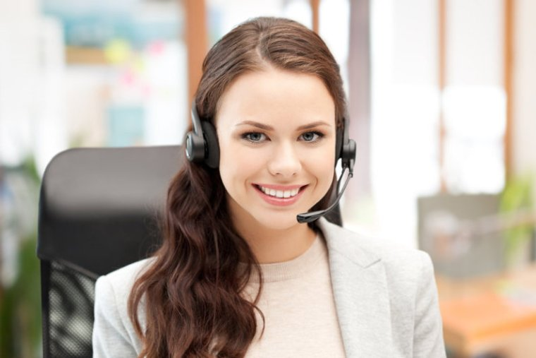 Customer service staff using VoIP