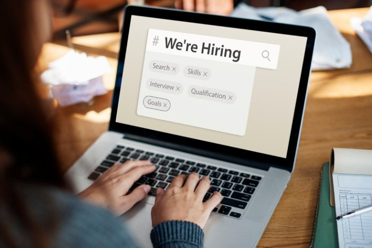 A Few Quick Fix Strategies to Minimize Your Hiring Time (Infographic)