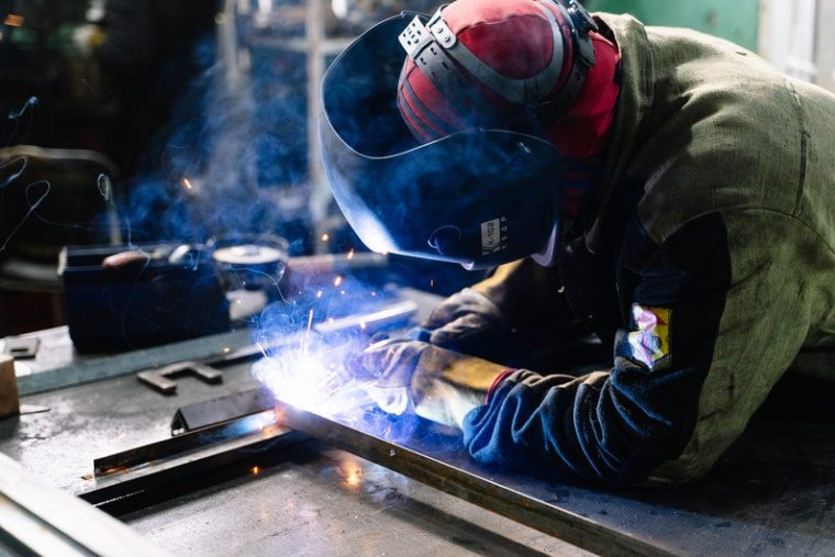 """A """"Buy American"""" Clause Could Help the American Steel Industry – Here's How"""