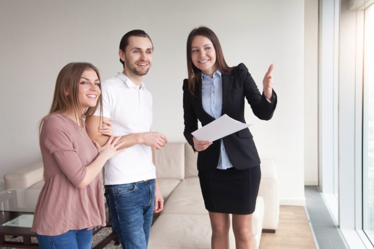 Should I Become a Realtor? 9 Top Reasons to Become a Realtor
