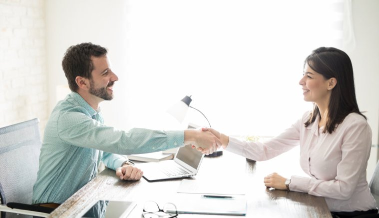 Sealing the Deal: 4 Tips to Help You Close More Business Deals
