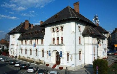 Consilierii locali vor rediscuta cumpărarea terenului din strada Geneva. Vor să facă o parcare în zonă