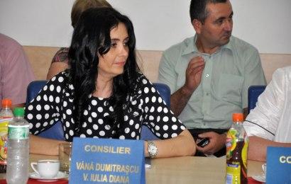 Iulia Vînă rămâne pe tușă. I-a fost încetat mandatul de consilier local din cauza incompatibilității