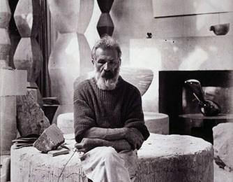 Expoziție la Malaga, dedicată sculptorului gorjean Constantin Brâncuși