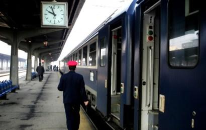 Tren blocat în Bărbătești. Traficul feroviar, reluat după aproape cinci ore