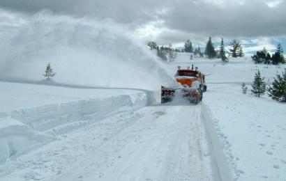 Transalpina este încă sub zăpadă