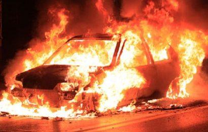 Mașină în flăcări, în Târgu Jiu