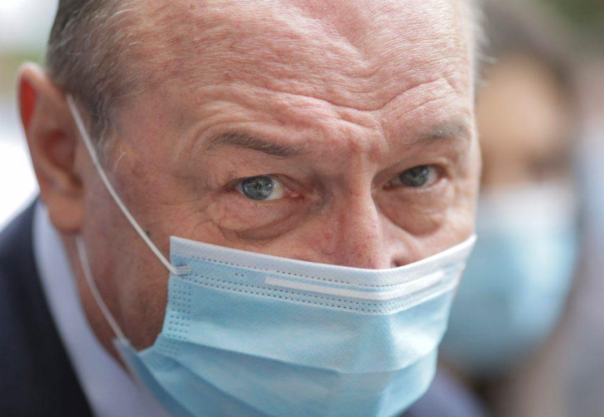 Băsescu: Trebuie să cerem vaccinul împotriva COVID, Rusiei!