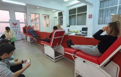 Târgu Jiu: A început vaccinarea anti-COVID și pentru personalul de la Centrul de Transfuzie Sanguină din municipiu