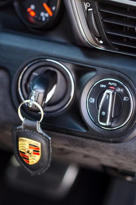 911 GTS-18