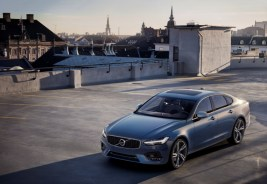 192800_volvo_s90_r_design_location_1800x1800