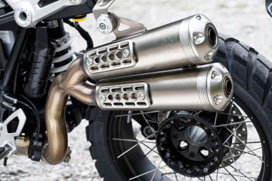 P90227697_highRes_the-new-bmw-r-ninet-