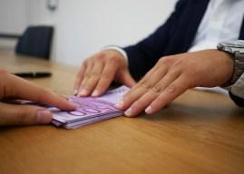 Skuplji krediti za građane, jeftiniji za privredu