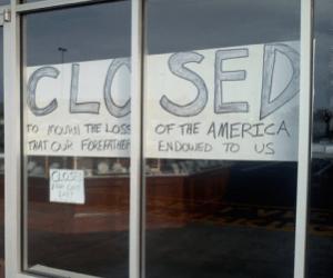 Lyon's Jewelers closed
