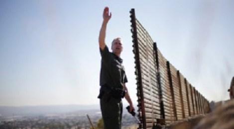 border-patrol-agent-AP-photo