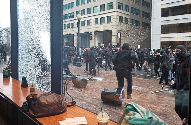 anti trump protesters