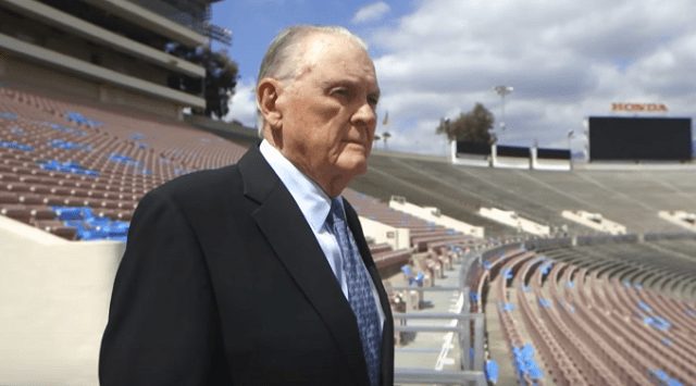 Keith Jackson, Legendary College Football Sportscaster, Dies at 89