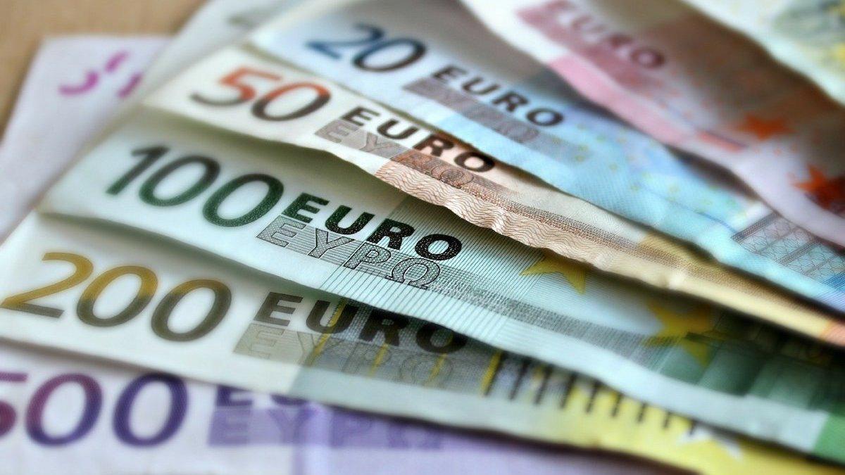 Bani pentru finanțări. FOTO martaposemuckel