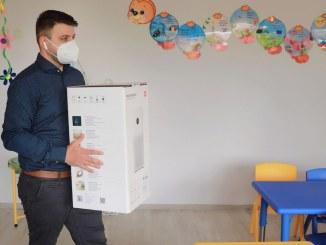 Xiaomi a donat purificatoare de aer la grădinițe. FOTO Xiaomi