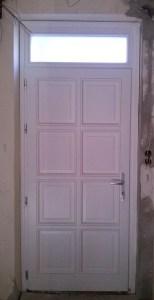 Kossuth Ferenc-telep fa bejárati ajtócsere