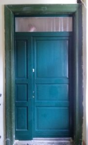 Losonci negyed fa bejárati ajtócsere