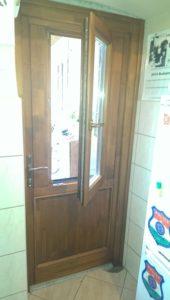 Népszínház negyed fa bejárati ajtócsere