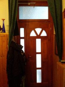 Rákoskeresztúr fa bejárati ajtócsere